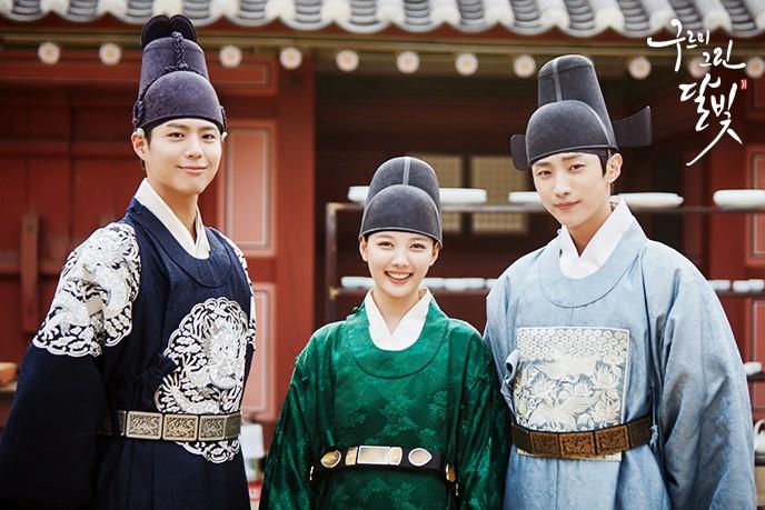Khổ thân 5 sao nữ Hàn chưa đủ 18 đã phải đóng cảnh yêu đàn anh già hơn cả giáp - Ảnh 8.