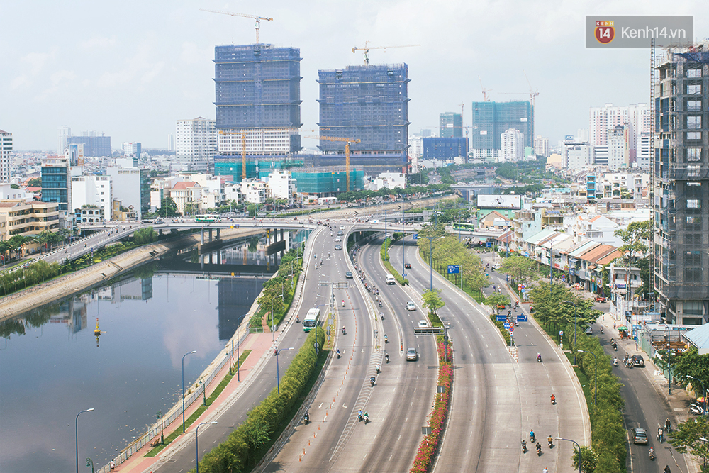 Có những ngày như thế: Sài Gòn không còi xe, khói bụi và không ùn tắc lúc 5 giờ chiều - Ảnh 7.