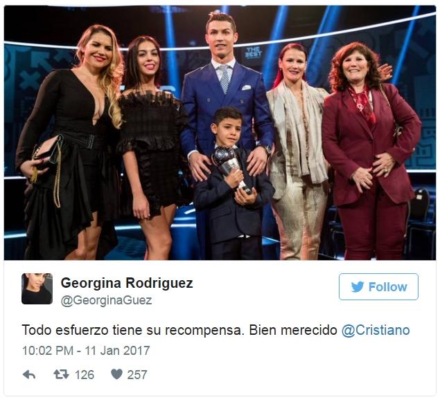 Mở tài khoản Twitter, Georgina Rodriguez khen Ronaldo đầu tiên - Ảnh 2.
