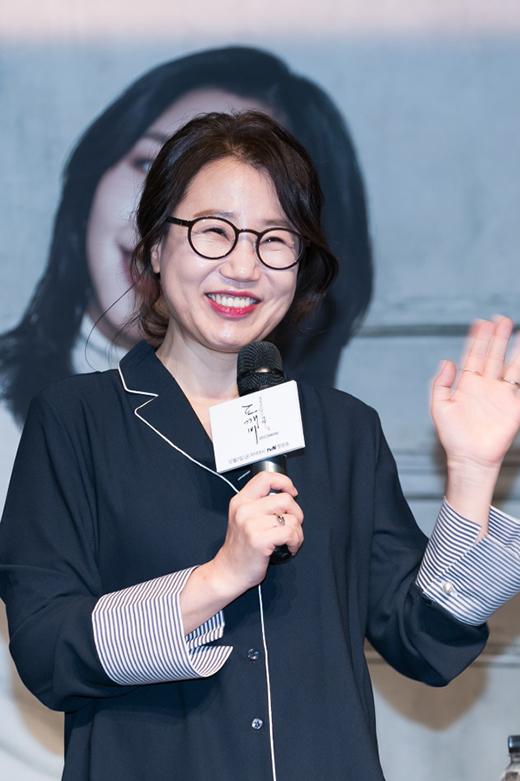 """Biên kịch """"Goblin"""" được bầu chọn trở thành biên kịch xuất sắc nhất Hàn Quốc - Ảnh 1."""