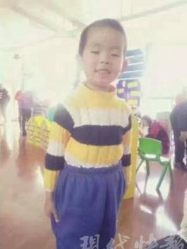 Giết con trai 6 tuổi rồi giấu xác dưới gầm giường, người mẹ trẻ vẫn ngủ ngon lành bên trên - Ảnh 2.
