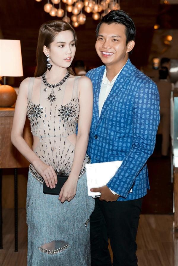 Đỗ Long - NTK ruột của Ngọc Trinh lần đầu lên sàn Vietnam International Fashion Week - Ảnh 1.