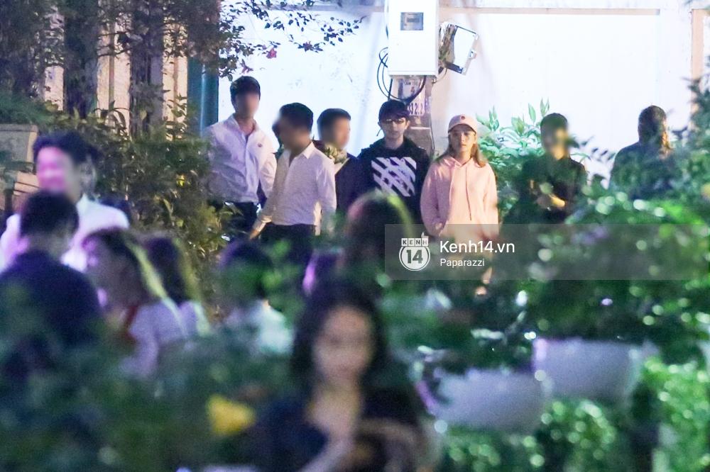 Bắt gặp Gil Lê - Chi Pu cùng nhau đi ăn tối và về chung một nhà - Ảnh 1.