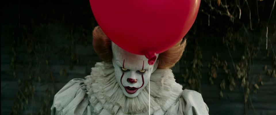 IT - Nỗi ám ảnh kinh hoàng từ tên hề đáng sợ nhất trên màn ảnh - Ảnh 1.