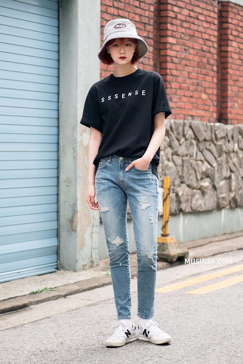 Giới trẻ Hàn lại mang đến cả tá gợi ý mặc đẹp mà chẳng cần cầu kỳ qua street style mãn nhãn - Ảnh 1.