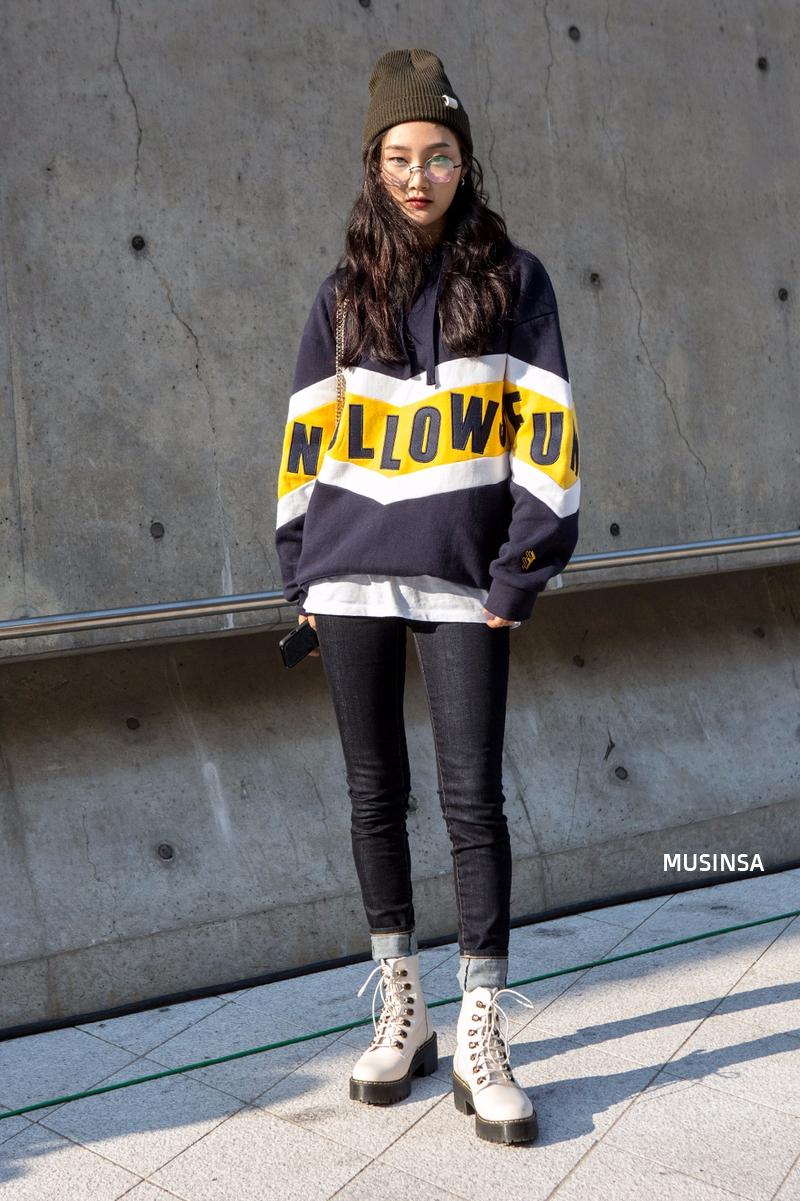 Chỉ dạo phố mà giới trẻ Hàn vẫn lên đồ đẹp hết nấc, không học hỏi đôi chút thì quả là phí - Ảnh 1.