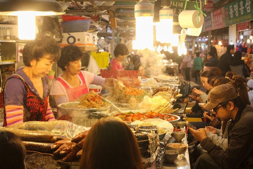 Những thiên đường ẩm thực châu Á nên ghé một lần trong đời - Ảnh 1.