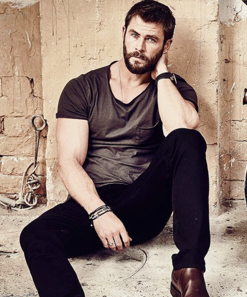 Chris Hemsworth - Vị Thần sấm số hưởng - Ảnh 1.