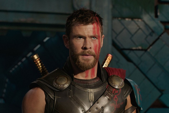Thor: Ragnarok chính thức nã sấm tại phòng vé sân nhà - Ảnh 2.
