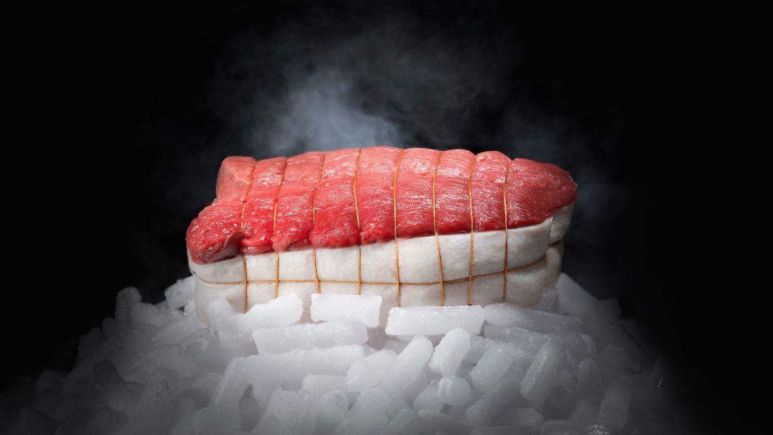 Món thịt bò ngủ đông đắt nhất thế giới, muốn ăn phải đặt trước cả năm trời - Ảnh 6.