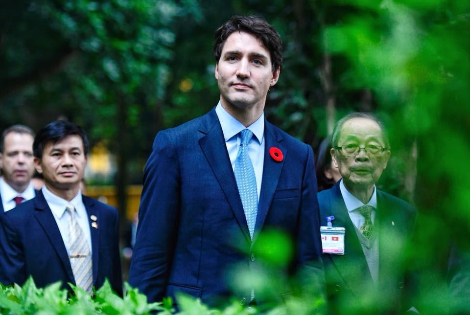 Nổi tiếng bởi vẻ điển trai và lịch lãm, khi đặt chân tới Việt Nam, Thủ tướng Canada lại càng khiến mọi người phải trầm trồ - Ảnh 8.