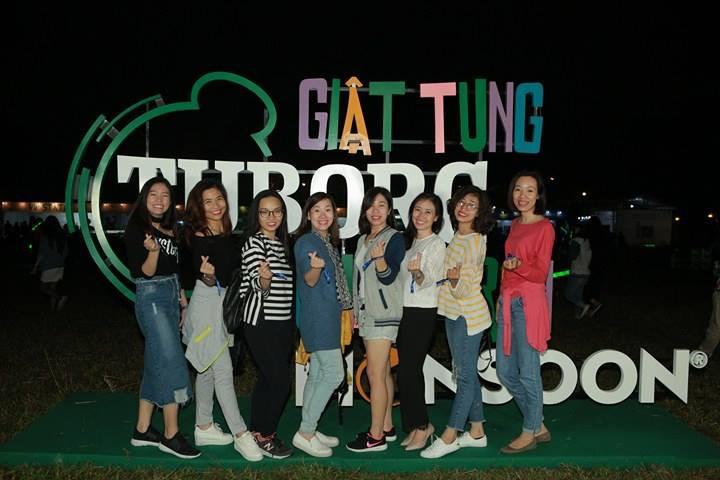 """Hoàng Touliver, SlimV cùng các nghệ sĩ quốc tế làm bùng nổ đêm nhạc đầu tiên của """"Monsoon Music Festival 2017 by Tuborg"""" - Ảnh 6."""