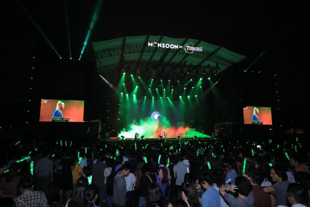 """Hoàng Touliver, SlimV cùng các nghệ sĩ quốc tế làm bùng nổ đêm nhạc đầu tiên của """"Monsoon Music Festival 2017 by Tuborg"""" - Ảnh 7."""