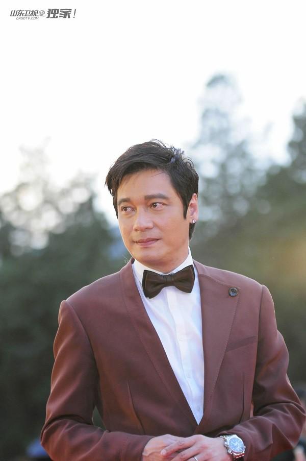 Thực hư tin đồn TVB hủy vé mời dự tiệc của nam tài tử La Gia Lương vì tiếc tiền - Ảnh 1.