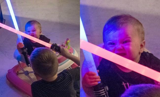 16 khoảnh khắc cười ra nước mắt với những trò nghịch ngợm tinh quái của con trẻ - Ảnh 1.