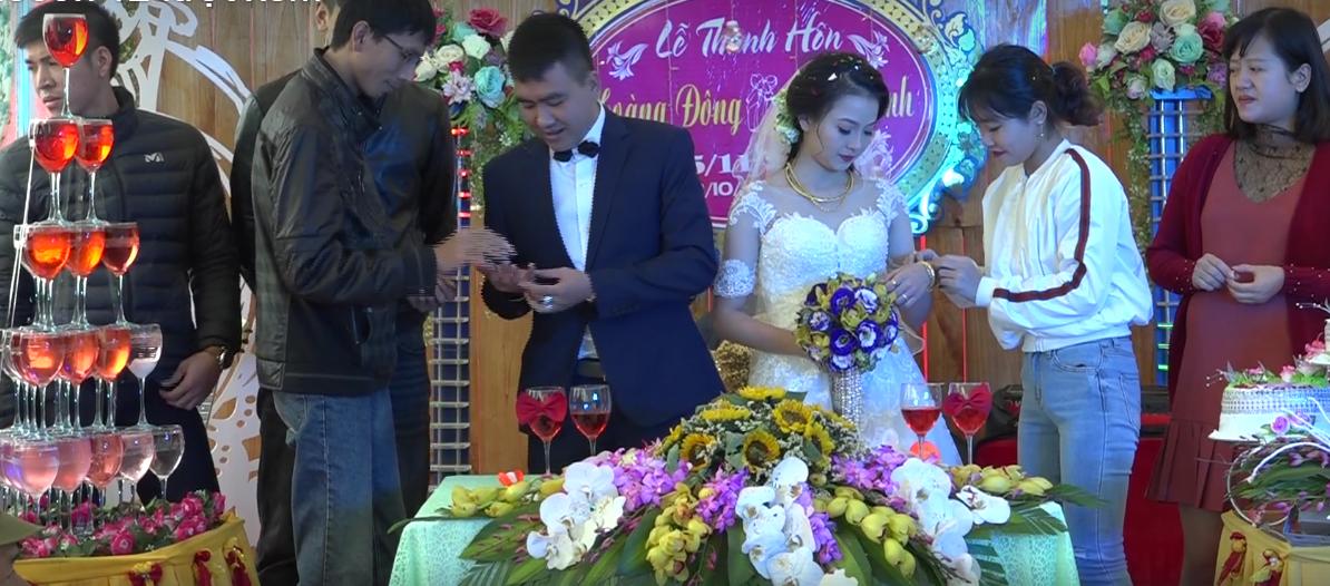 Cặp đôi được tặng nhiều vàng trong ngày cưới đến nỗi đủ mở cả tiệm trang sức - Ảnh 6.