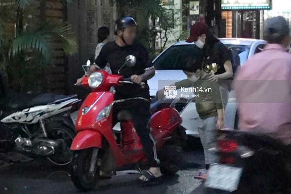 Cập nhật giữa tâm bão: Tim tậu xe hơi mới trong lúc Trương Quỳnh Anh đưa con trai đi học bằng xe máy - Ảnh 2.
