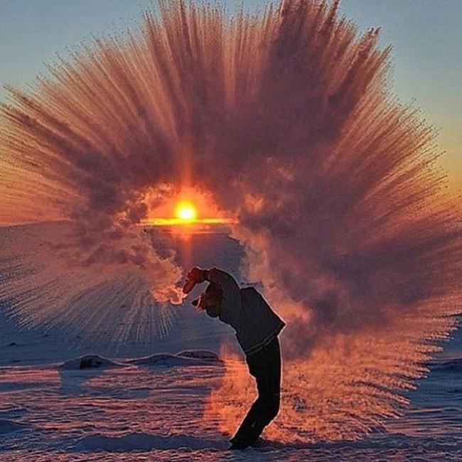 16 khung cảnh kỳ diệu chỉ có thể nhìn thấy vào mùa đông giá rét - Ảnh 1.