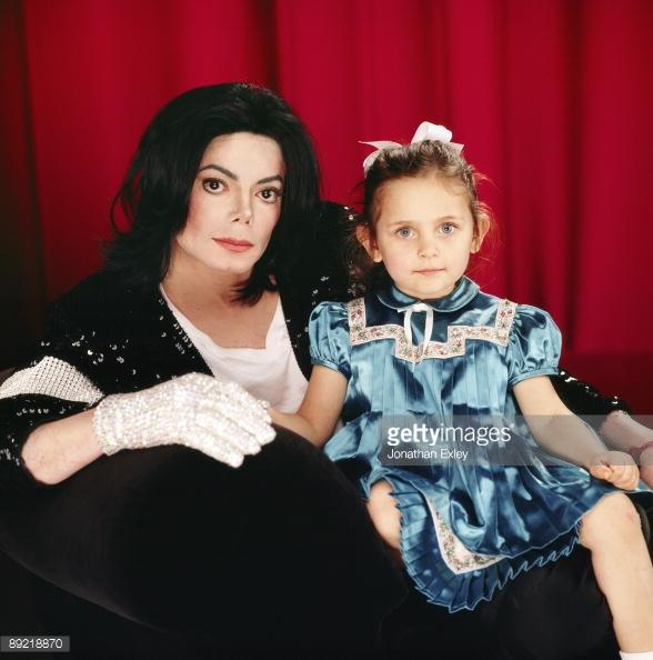 Có con gái đẹp như tiên, đây là bố mẹ vợ trong mơ của triệu chàng trai ở Hollywood! - Ảnh 1.
