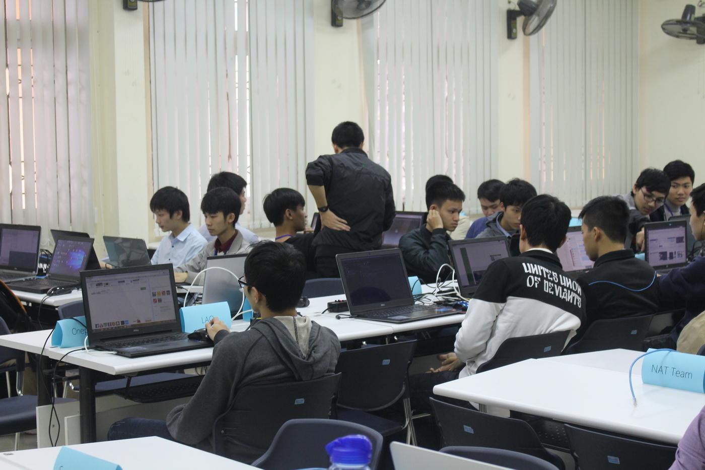Khai mạc UET Hackathon 2017 - Nơi các anh tài công nghệ được hội tụ và thỏa sức sáng tạo - Ảnh 11.