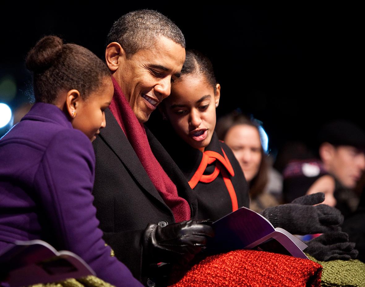 Những khoảnh khắc đáng nhớ bên vợ con của Tổng thống Obama trong 8 năm đương nhiệm - Ảnh 19.