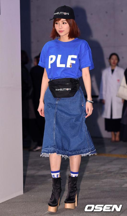 Ăn vận trẻ trung dự Seoul Fashion Week, Sooyoung được ví dễ thương như nhân vật truyện tranh Arale - Ảnh 9.