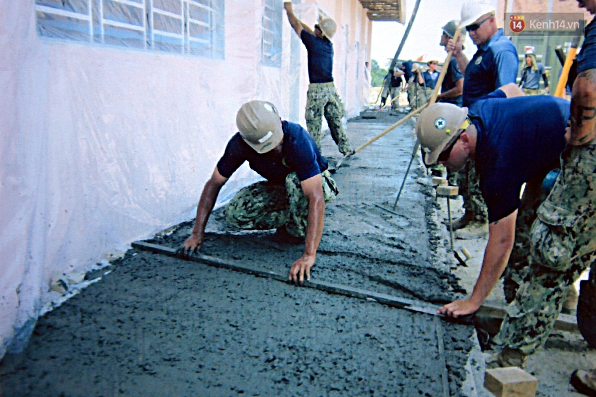 Hải quân Mỹ - Nhật dầm mình trong nắng, góp 1.500 ngày công để xây trường mầm non cho trẻ em Đà Nẵng - Ảnh 9.