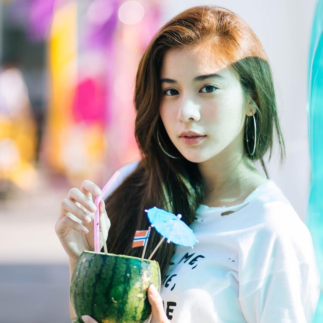 Nhỏ xinh nhưng lợi hại, đây là món phụ kiện nâng tầm phong cách đang được các hot girl Việt diện cực nhiều - Ảnh 9.