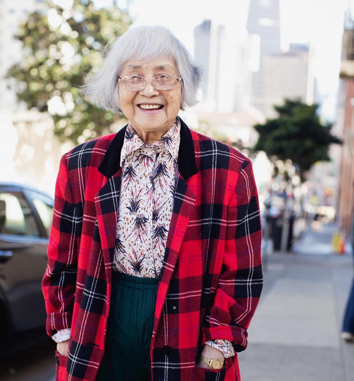 Không đăng hình giới trẻ, tài khoản Instagram này lại tôn vinh street style đi chợ của các cụ già và được hưởng ứng vô cùng - Ảnh 5.