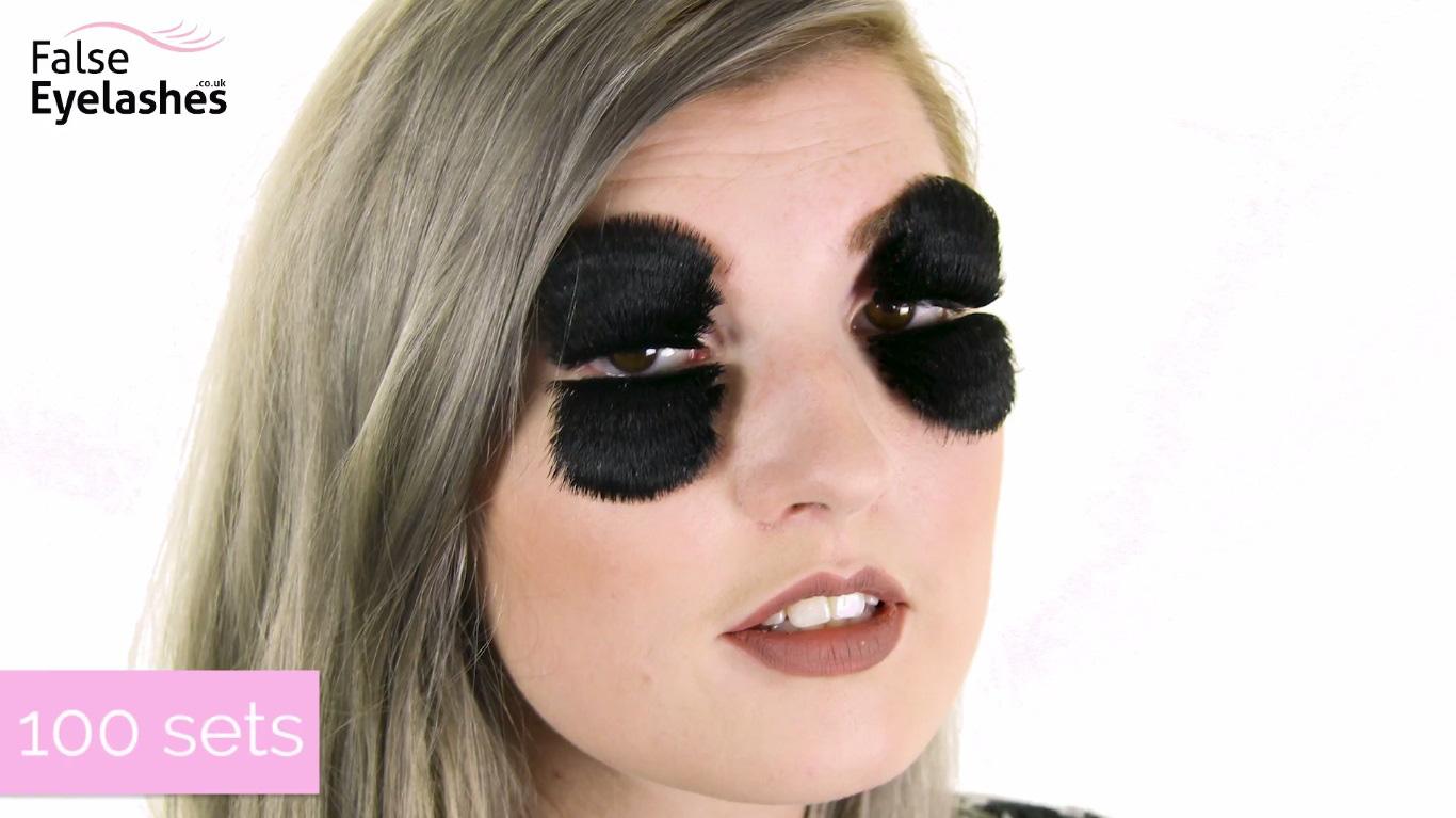 Đôi mắt hóa chổi xể khi dán 100 lớp lông mi chồng lên nhau - Ảnh 2.