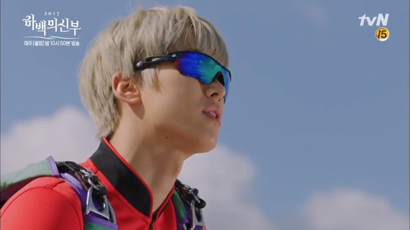 """""""Cô Dâu Thủy Thần"""": Nam Joo Hyuk là Hà Bá nhưng lại biết bay, xịn chưa! - Ảnh 24."""