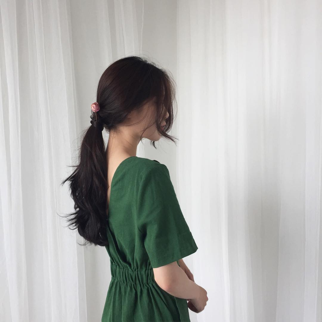 Từng bị chê già nua, nay vải thô đũi lại sốt sình sịch nhờ hàng loạt món đồ hot trend xinh xẻo - Ảnh 16.