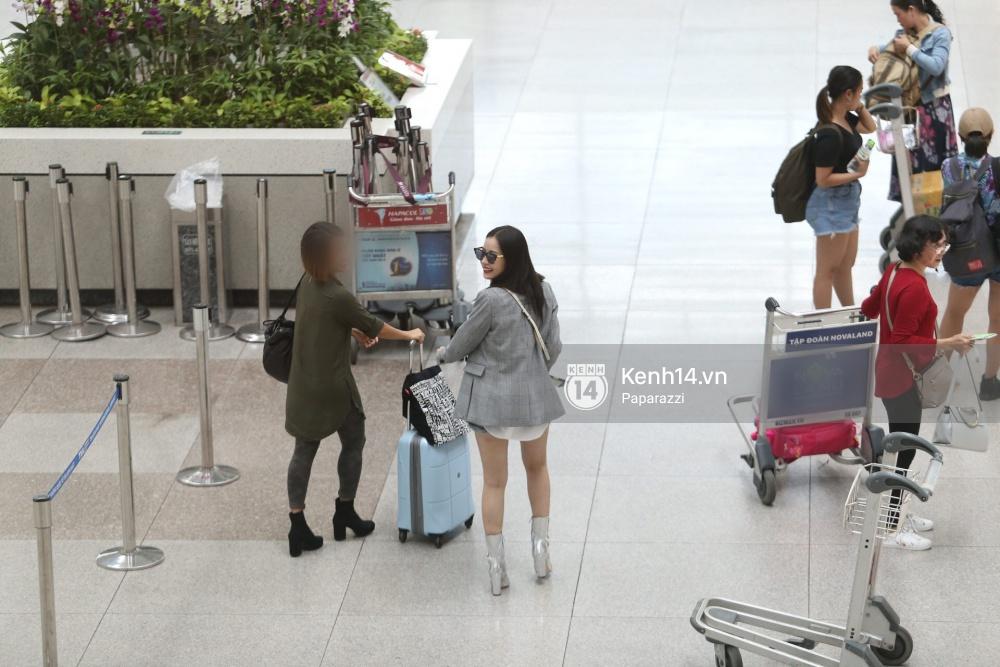 Chi Pu diện trang phục sành điệu, xuất hiện tươi tắn ở sân bay để sang Mỹ dự sự kiện - Ảnh 10.