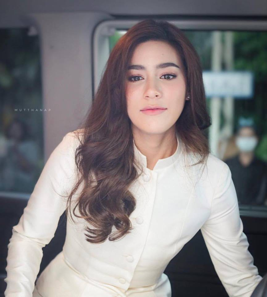 Đây là 3 bông hồng lai hot nhất truyền hình Thái năm 2017 - Ảnh 10.