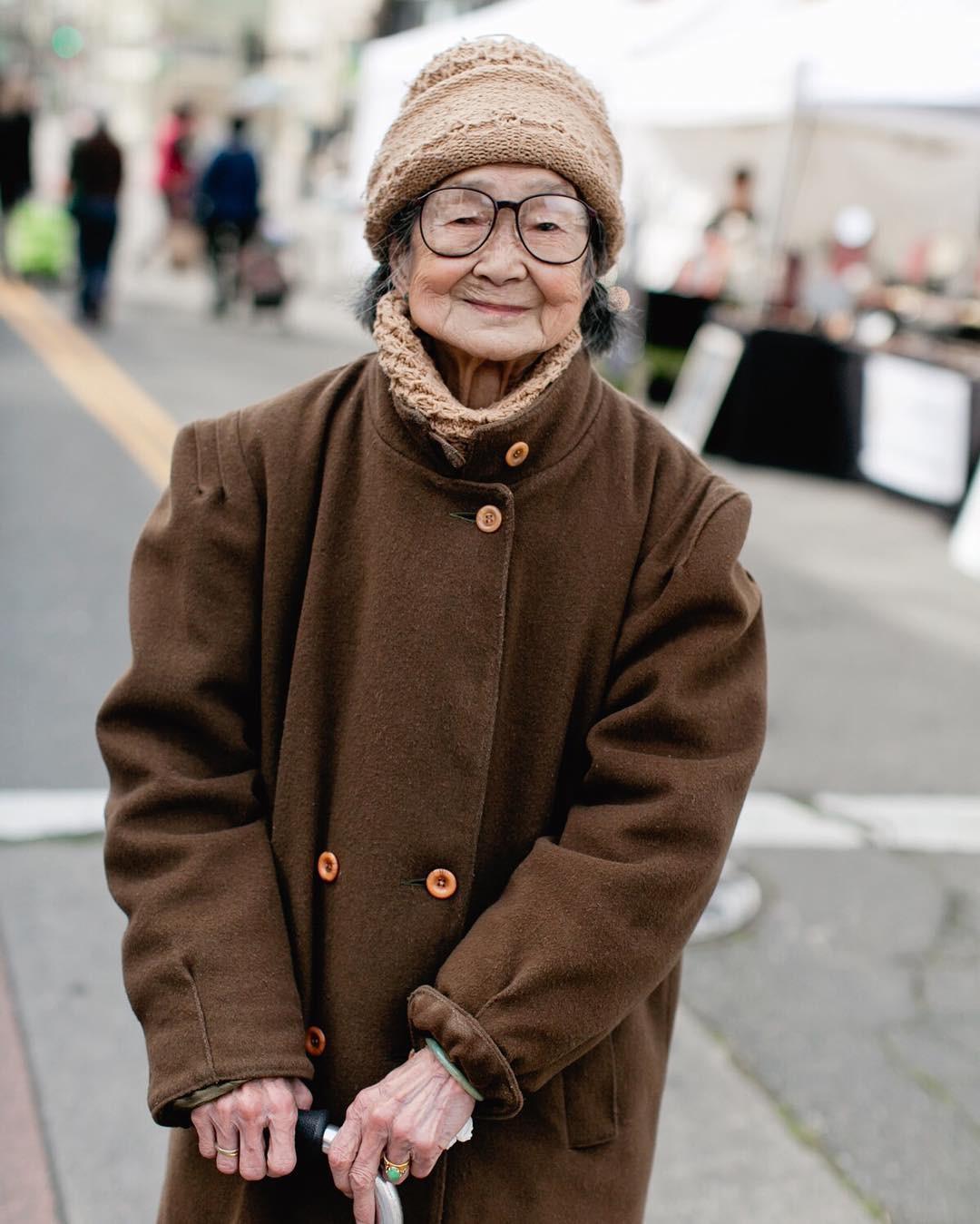 Không đăng hình giới trẻ, tài khoản Instagram này lại tôn vinh street style đi chợ của các cụ già và được hưởng ứng vô cùng - Ảnh 6.