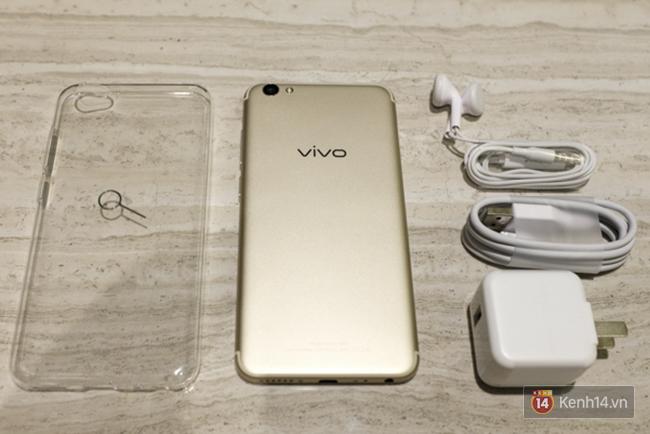 Đánh giá Vivo V5s: Thiết kế đẹp, cấu hình ổn, camera selfie 20 MP ấn tượng - Ảnh 1.