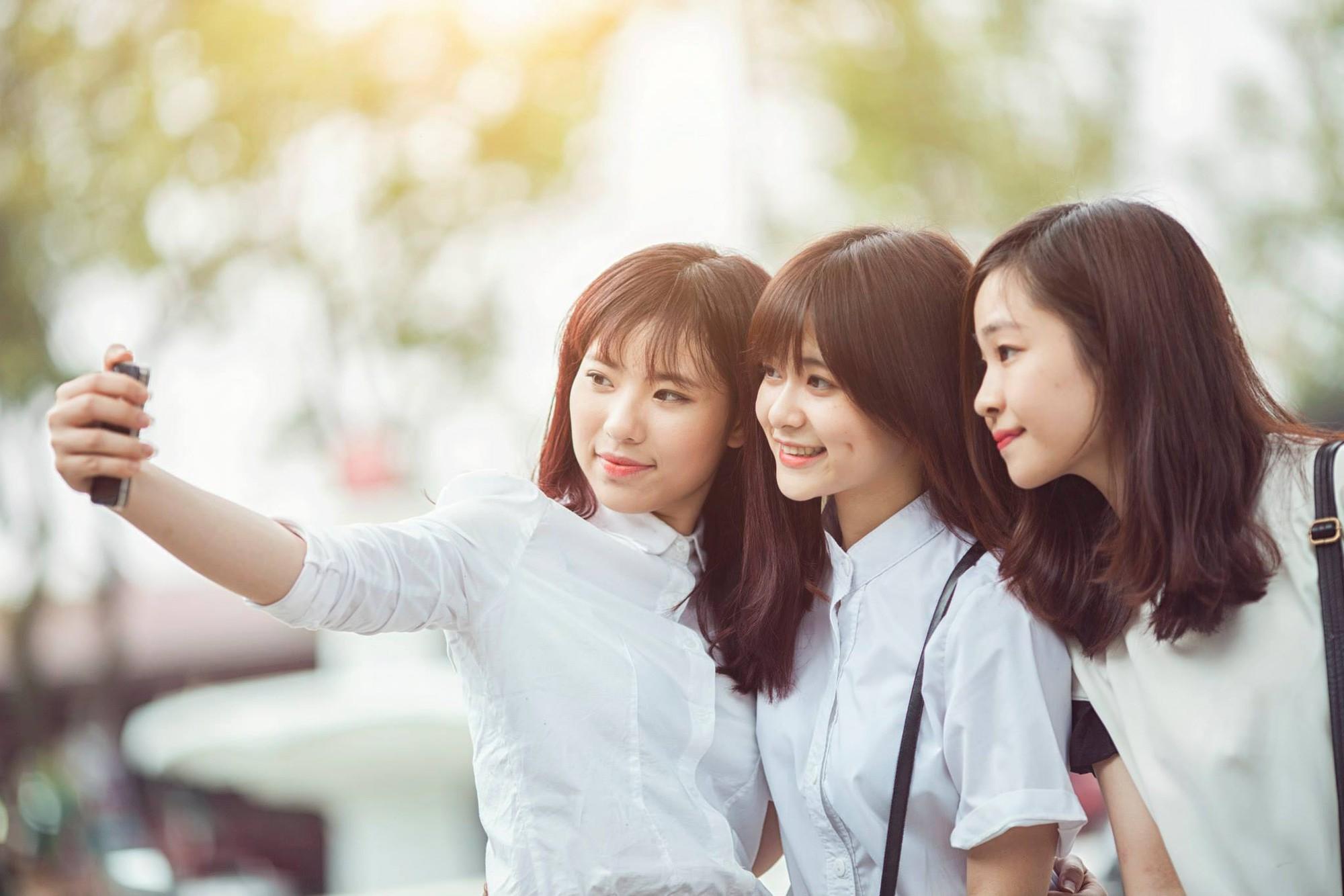 Đây là cô bạn du học sinh Việt với nụ cười má lúm đang được tìm khắp Facebook - Ảnh 4.
