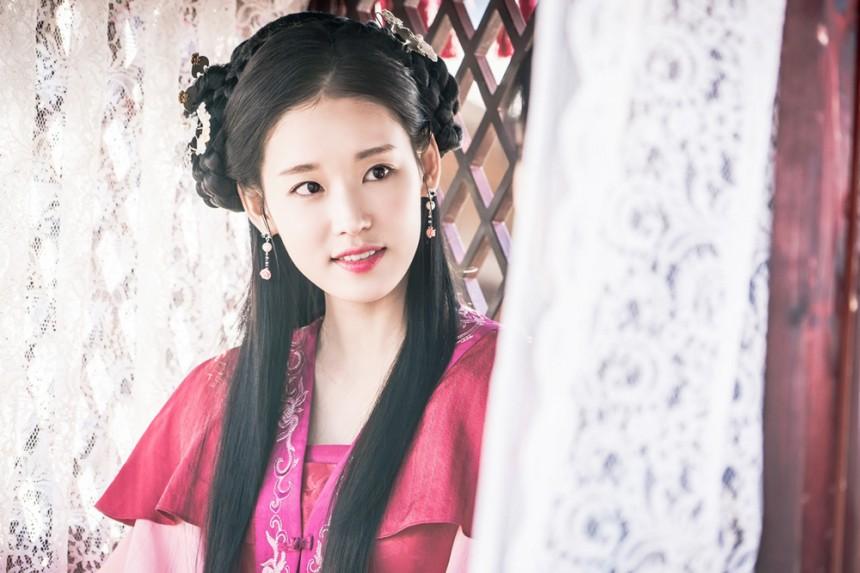 Yoona và Kim Ji Won xinh như này, ai cũng mong phim chiếu thật nhanh! - Ảnh 4.