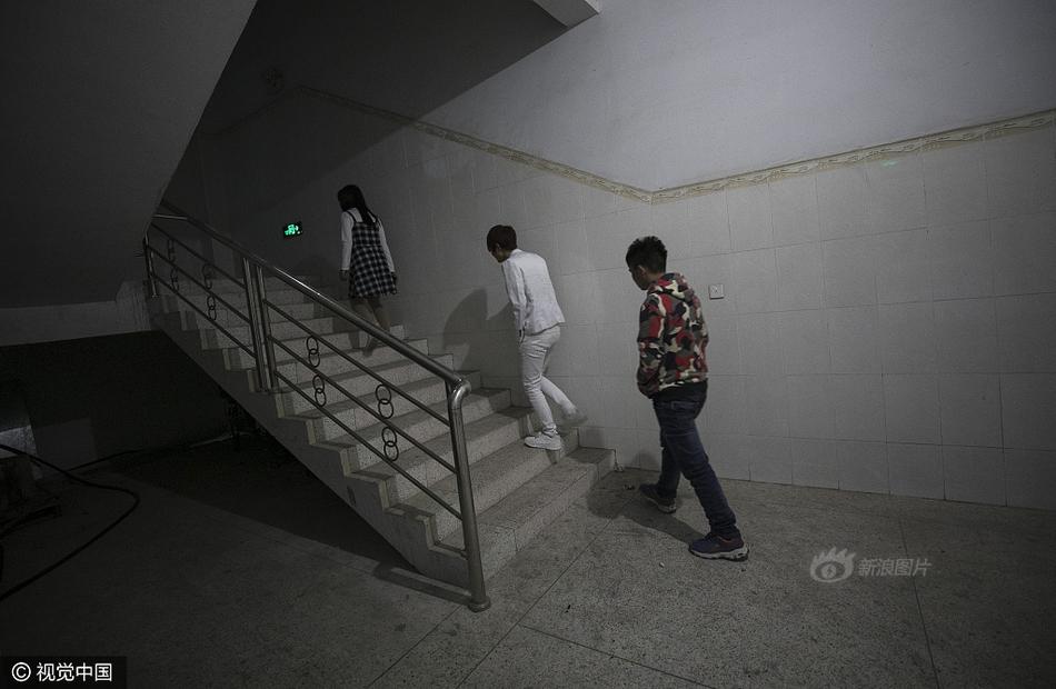 Cuộc sống của nữ công nhân vừa tròn 18 tuổi trong công xưởng sản xuất đồ chơi tình dục ở Trung Quốc - Ảnh 12.