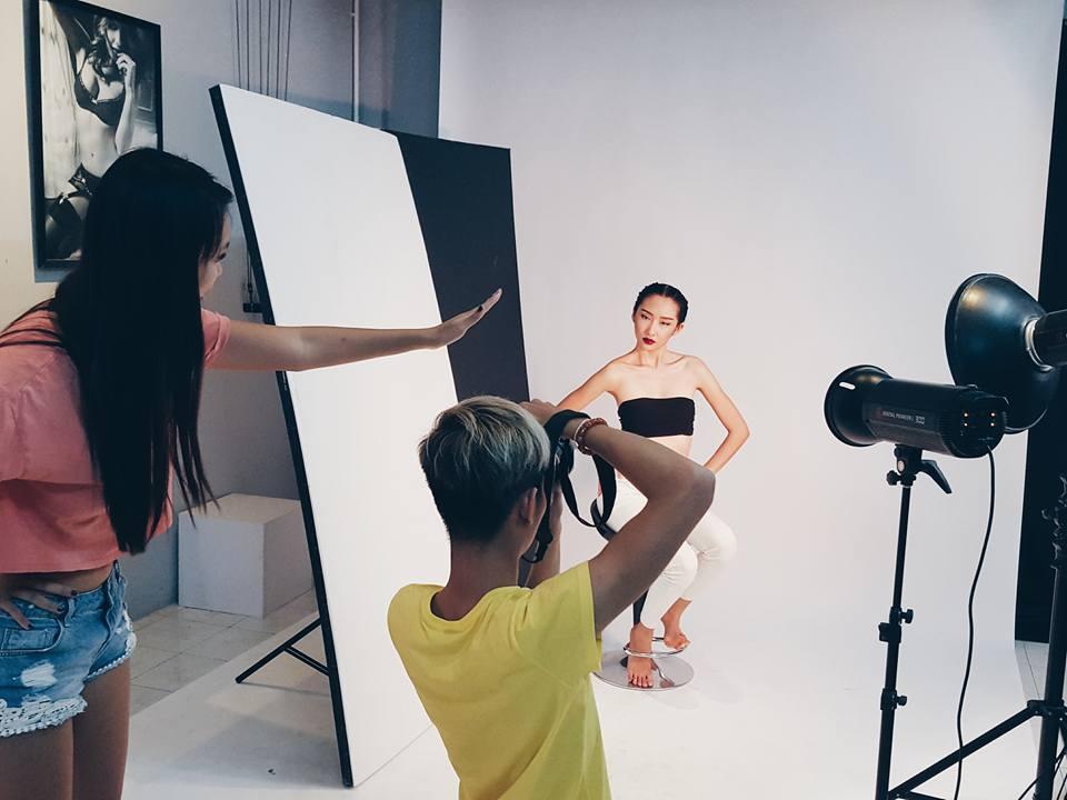 Đặng Hữu Quốc Văn – từ SV Ngoại thương, tới quản lý truyền thông của siêu mẫu và kỳ thực tập trong mơ tại Paris Fashion Week - Ảnh 8.