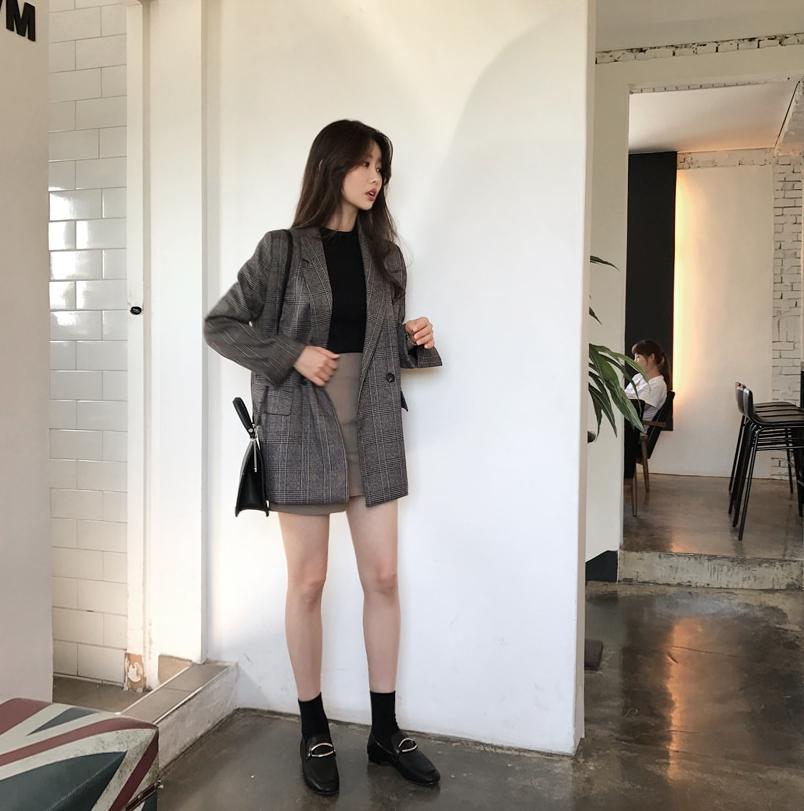 Blazer kẻ caro: Dự là sẽ hot hơn cả cardigan, denim jacket vì fashionista nào cũng đang sở hữu 1 cái - Ảnh 12.