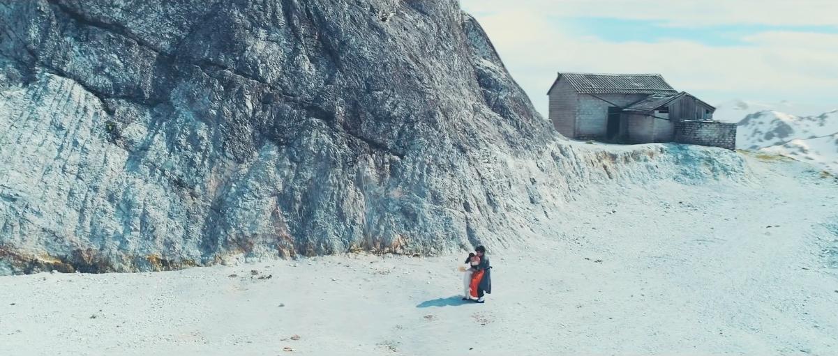 Ngọn đồi tuyết phủ trong MV mới của Bảo Anh hoá ra ở gần ngay Hà Nội, từng được check-in rất nhiều! - Ảnh 3.