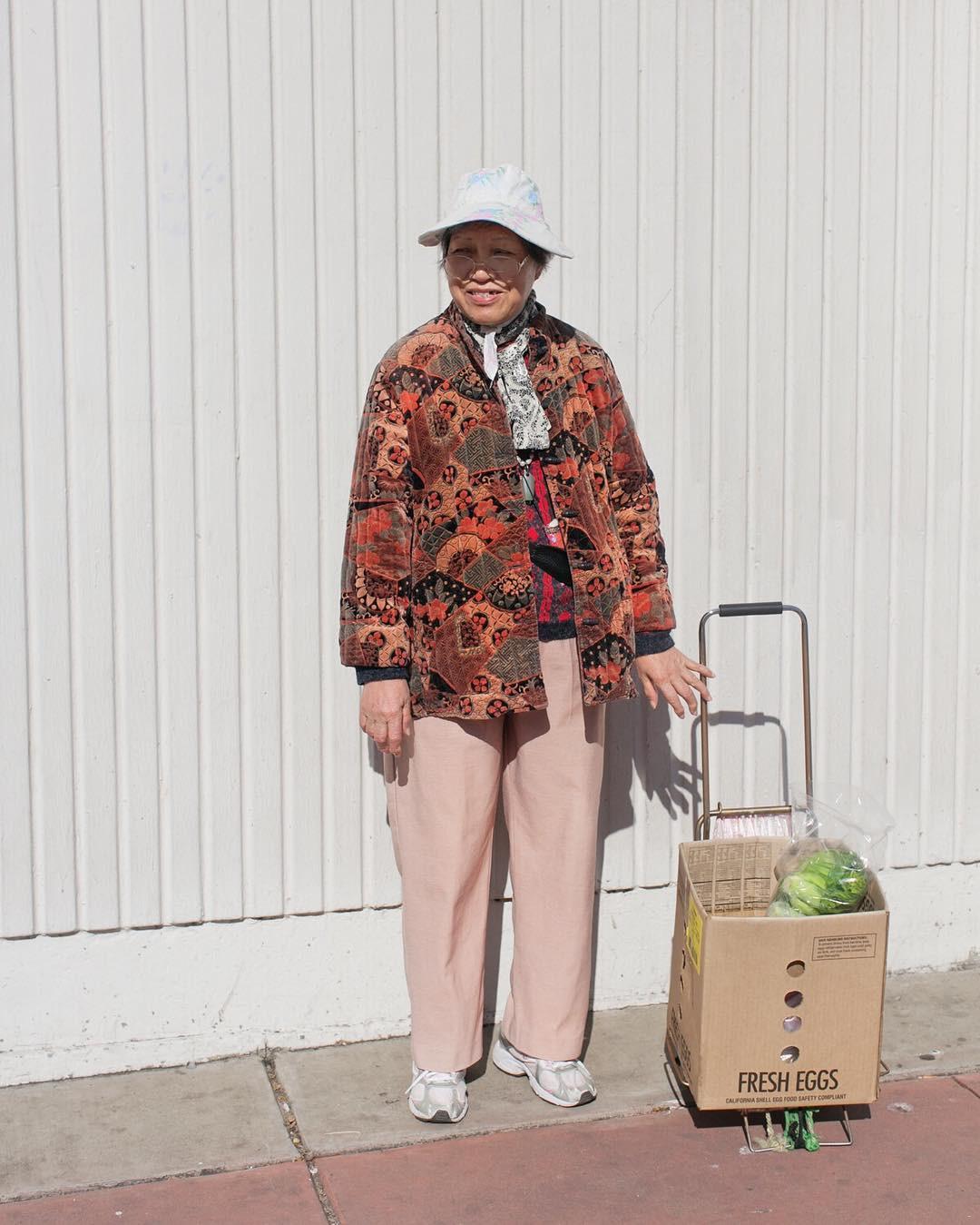 Không đăng hình giới trẻ, tài khoản Instagram này lại tôn vinh street style đi chợ của các cụ già và được hưởng ứng vô cùng - Ảnh 13.