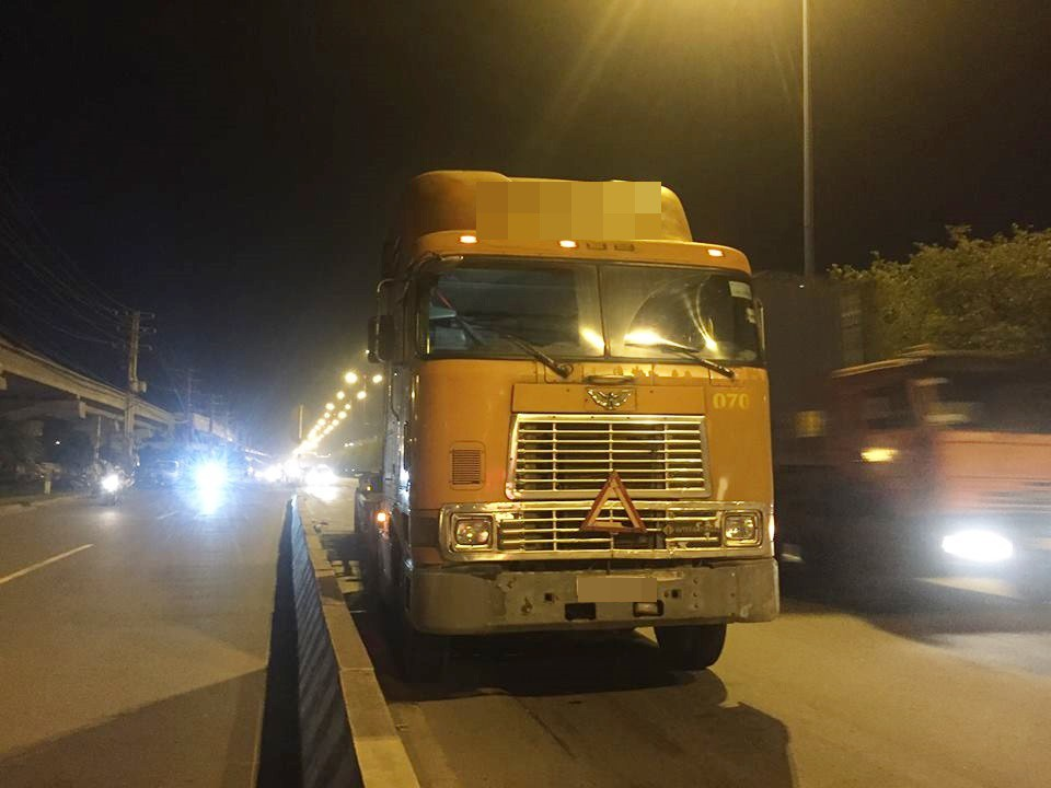 TP.HCM: Va chạm với xe container, nam thanh niên tử vong tại chỗ, cô gái đi cùng nhập viện nguy kịch - Ảnh 2.
