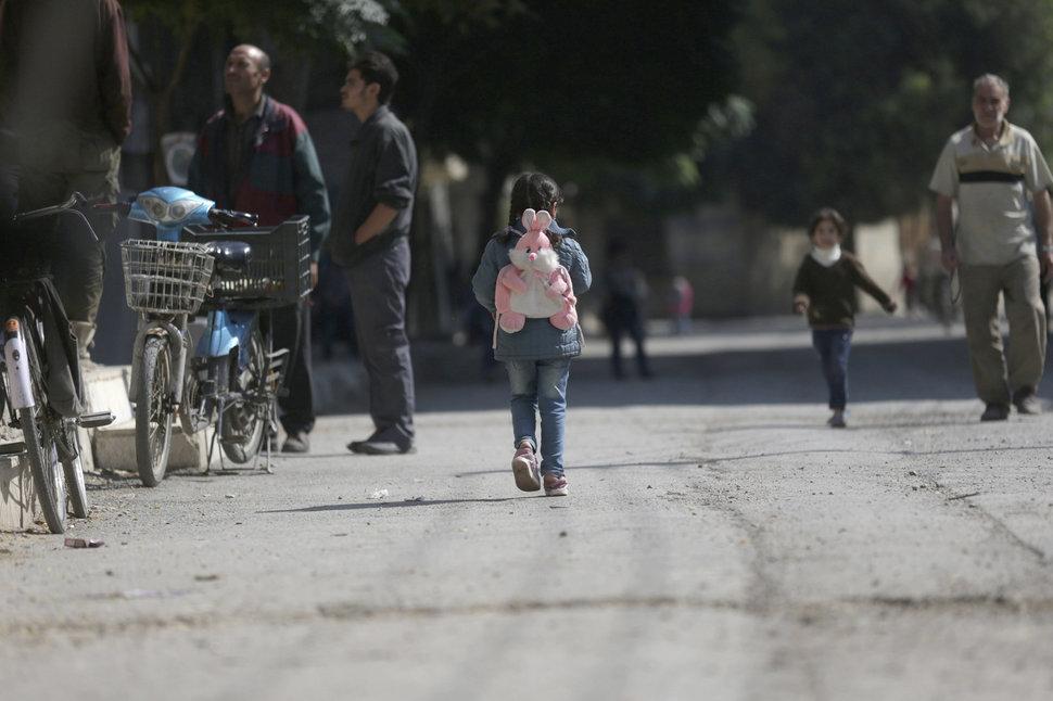 Quốc tế con gái 11/10: Hành trình đến trường gian nan của những bé gái trên toàn thế giới - Ảnh 22.