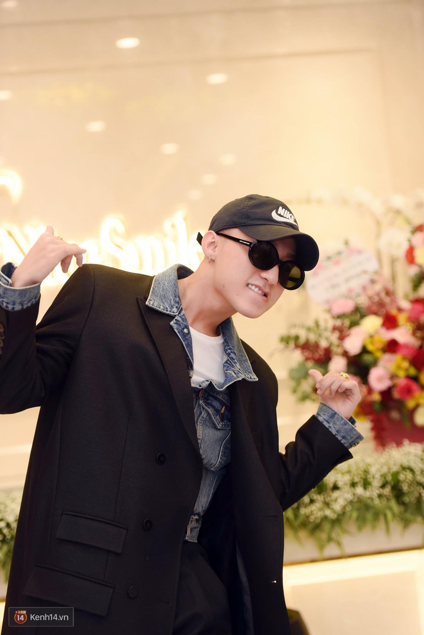 Sơn Tùng và Soobin Hoàng Sơn gây thích thú khi xuất hiện như anh em sinh đôi tại sự kiện - Ảnh 6.