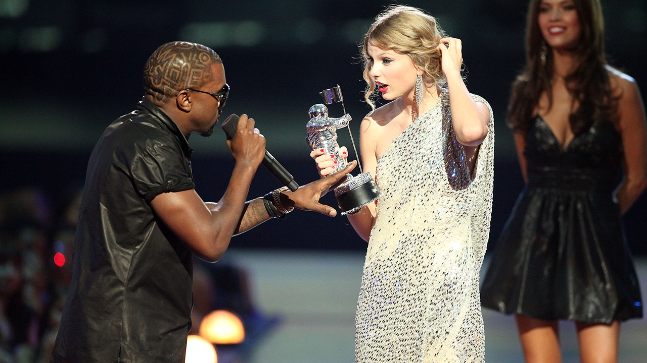 Taylor Swift: Ai yêu cũng được, ghét cũng chả sao, vì chẳng gì cản nổi chị làm nữ hoàng! - Ảnh 12.