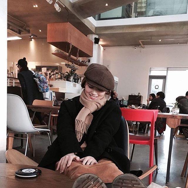 Chán diện mũ nồi, giới trẻ Hàn chuyển sang mê mệt chiếc mũ tưởng quê kiểng mà lại cực cá tính này - Ảnh 14.