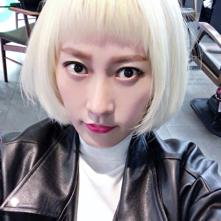 Phim đã hết nhưng con gái Hàn vẫn đổ xô cắt tóc ngắn cũn, tô son giống tiên nữ cử tạ Kim Bok Joo - Ảnh 10.