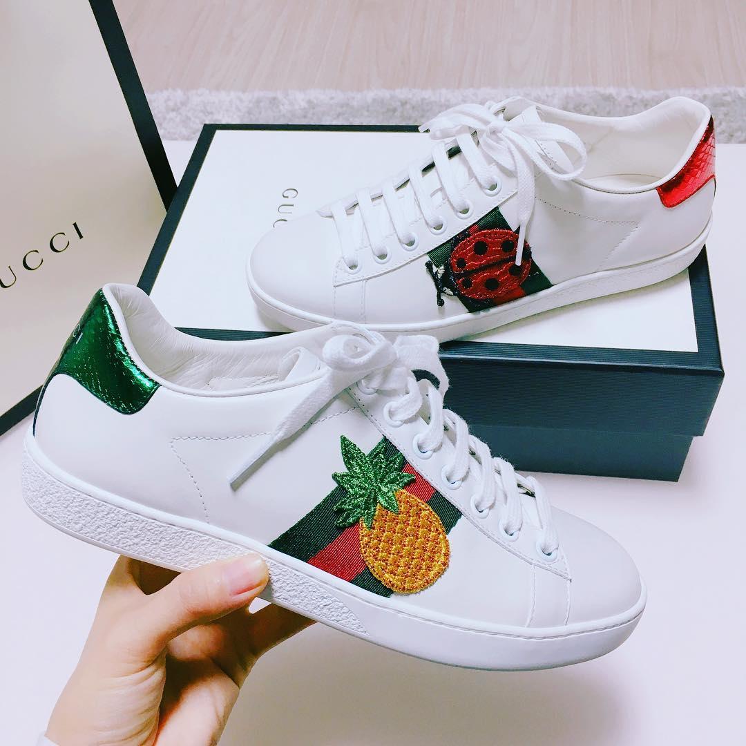 Giày sneaker thêu, xu hướng hoa hòe hoa sói mà bạn cứ lướt Instagram là gặp thời gian này - Ảnh 10.